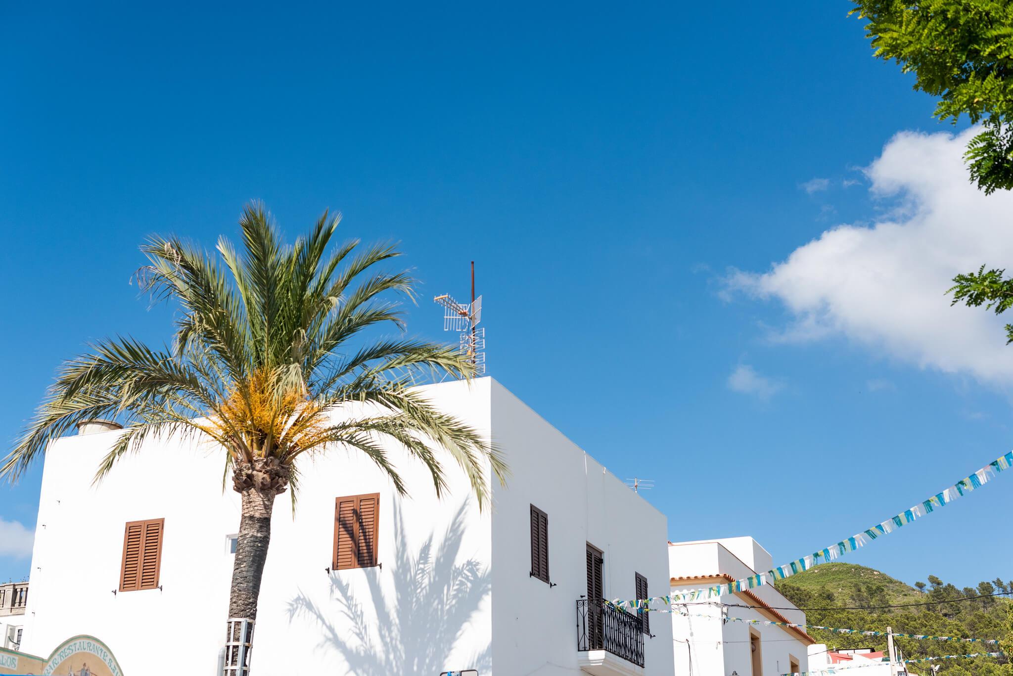 https://www.white-ibiza.com/wp-content/uploads/2020/05/white-ibiza-villas-where-to-buy-san-juan-04.jpg