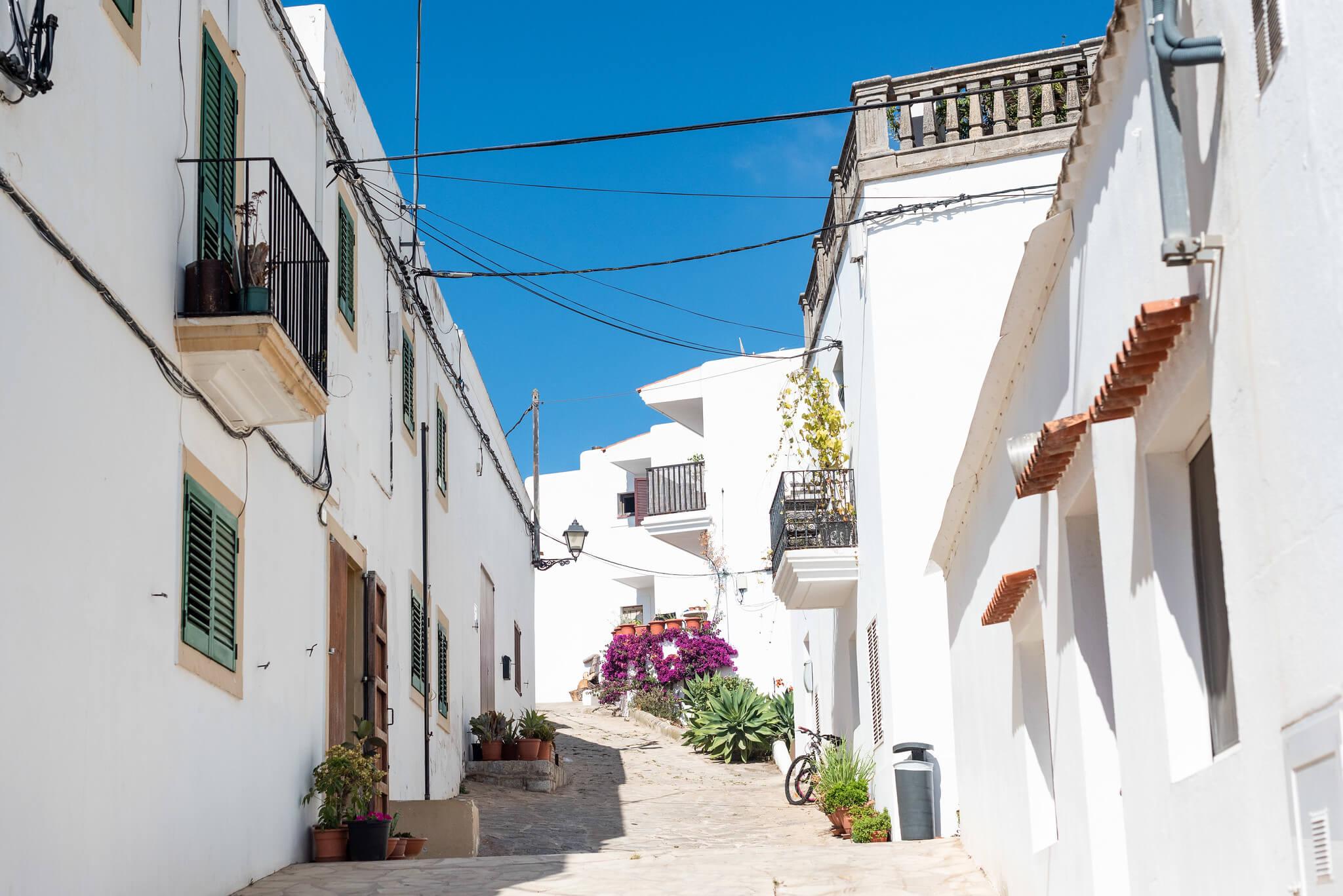 https://www.white-ibiza.com/wp-content/uploads/2020/05/white-ibiza-villas-where-to-buy-san-juan-10.jpg