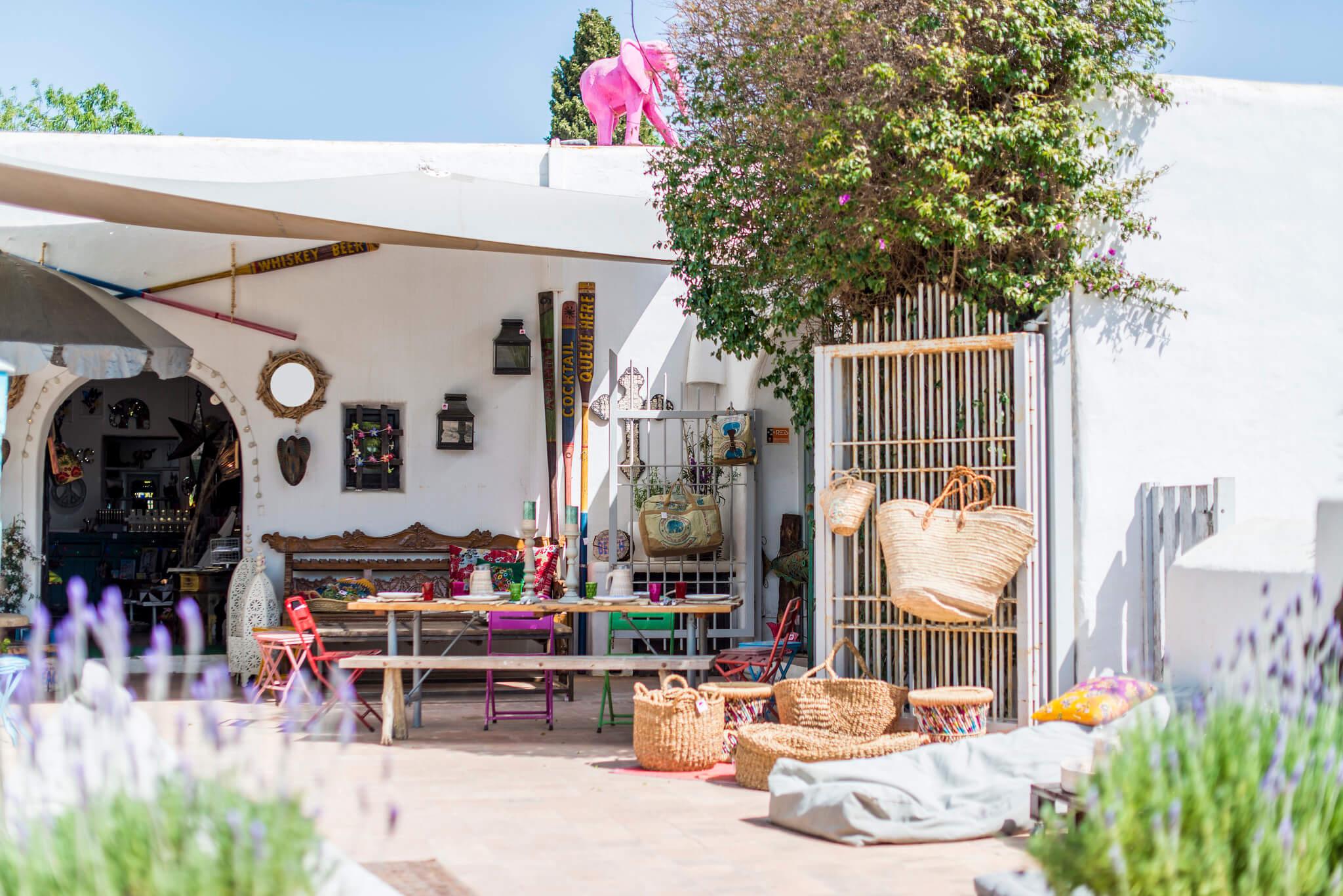 https://www.white-ibiza.com/wp-content/uploads/2020/05/white-ibiza-villas-where-to-stay-santa-gertrudis-02.jpg