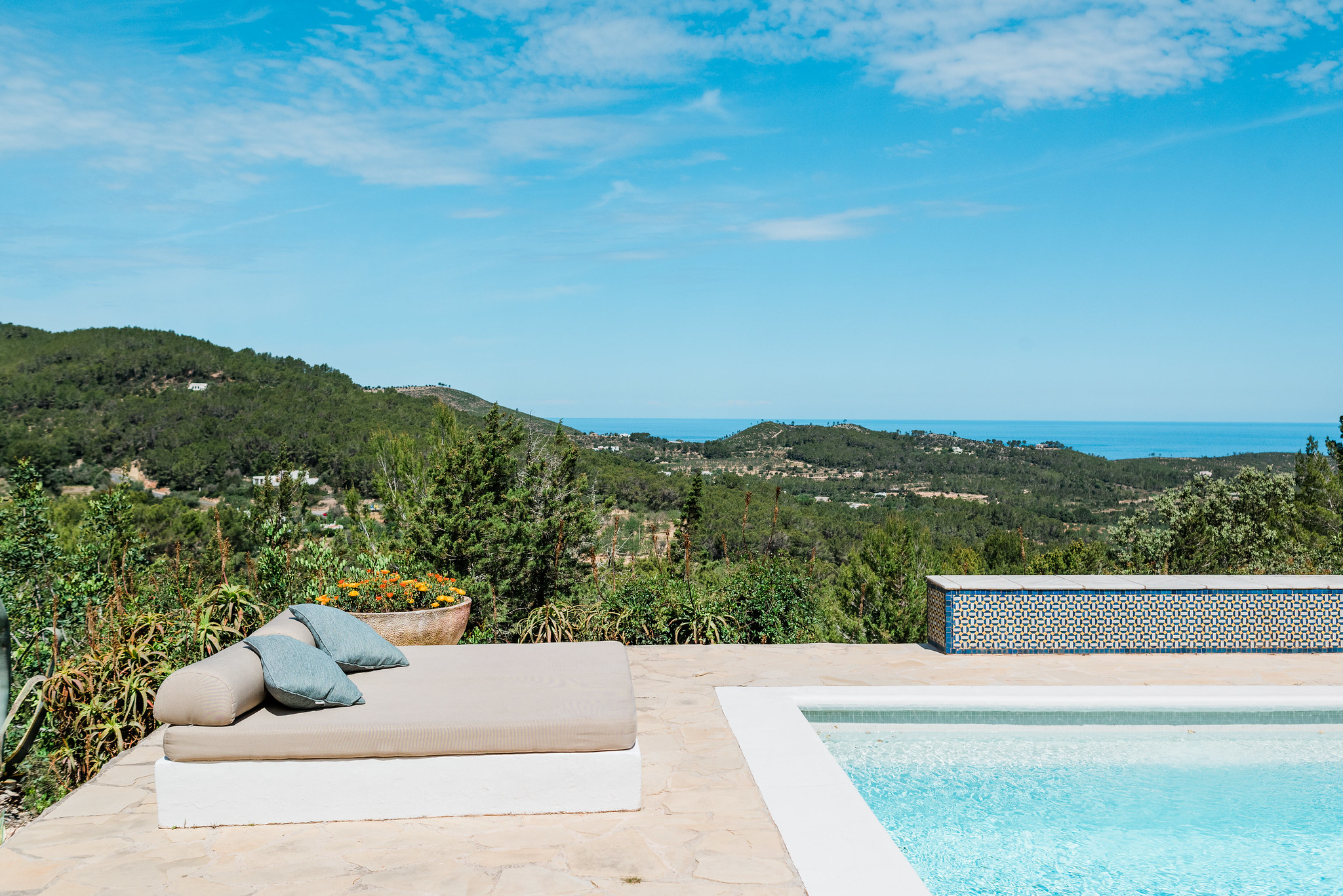 https://www.white-ibiza.com/wp-content/uploads/2020/06/white-ibiza-villas-can-calma-exterior-view-from-pool.jpg