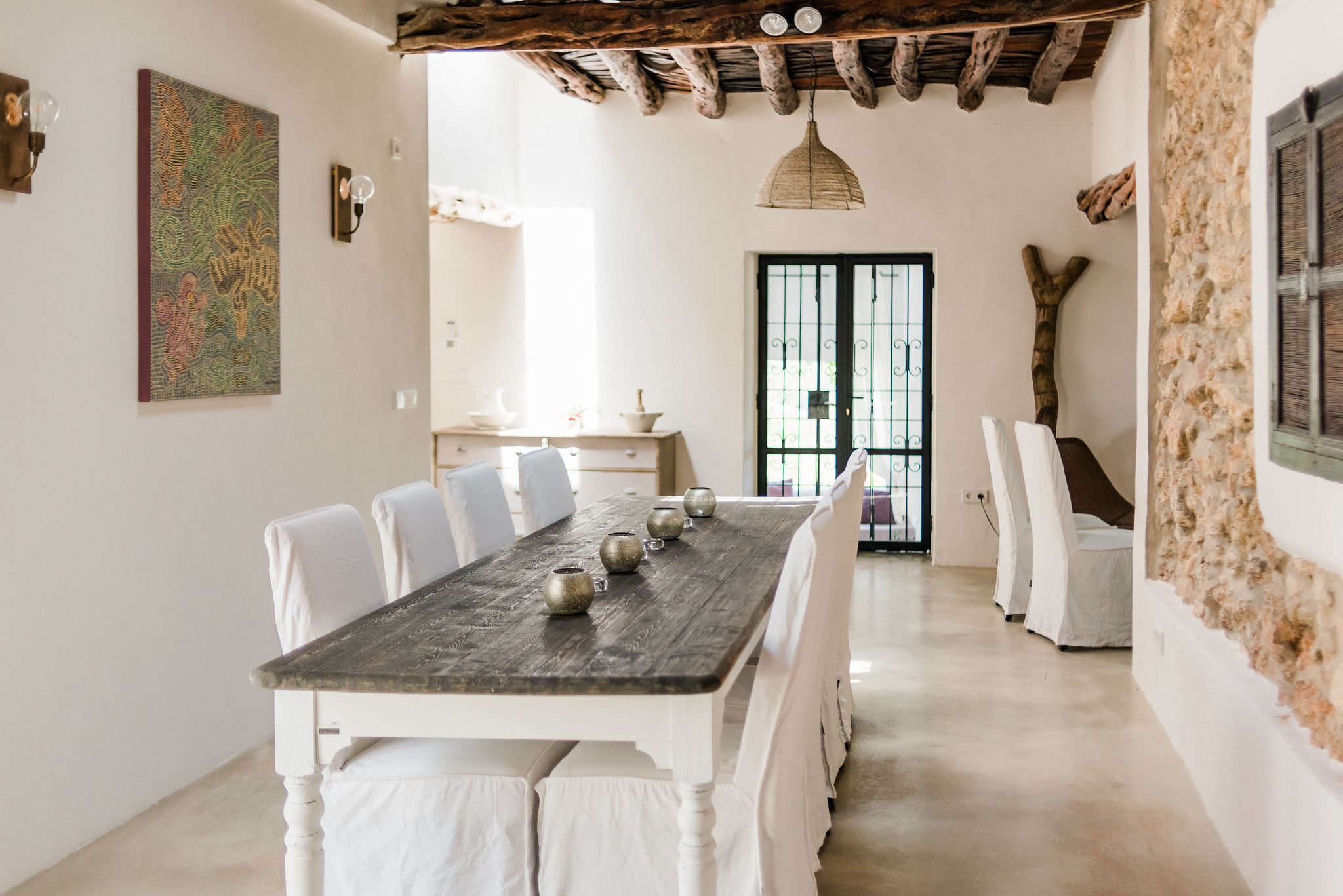 https://www.white-ibiza.com/wp-content/uploads/2020/06/white-ibiza-villas-can-calma-interior-dining.jpg