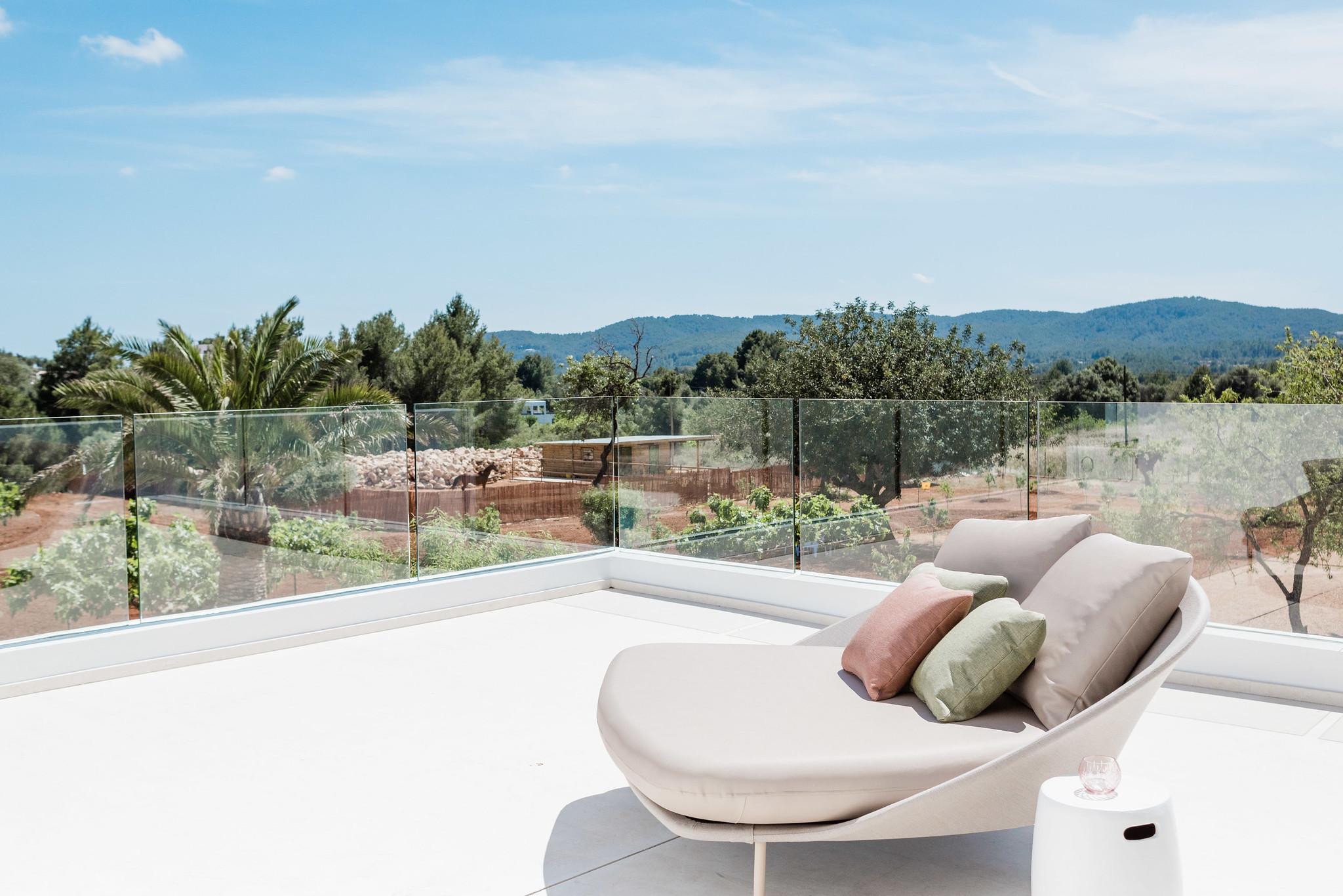 https://www.white-ibiza.com/wp-content/uploads/2020/06/white-ibiza-villas-can-carmen-exterior-master-terrace.jpg