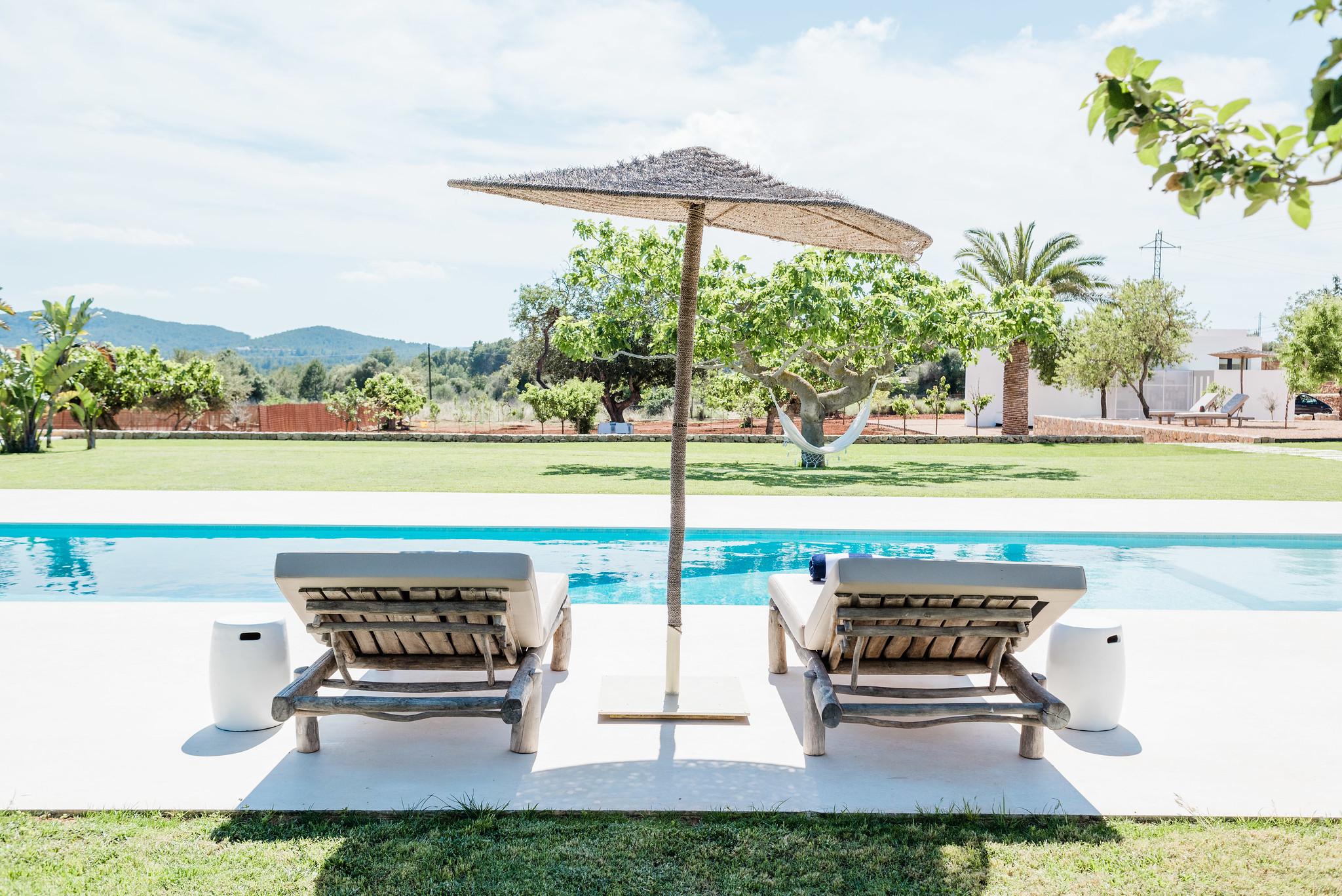 https://www.white-ibiza.com/wp-content/uploads/2020/06/white-ibiza-villas-can-carmen-exterior-pool2.jpg