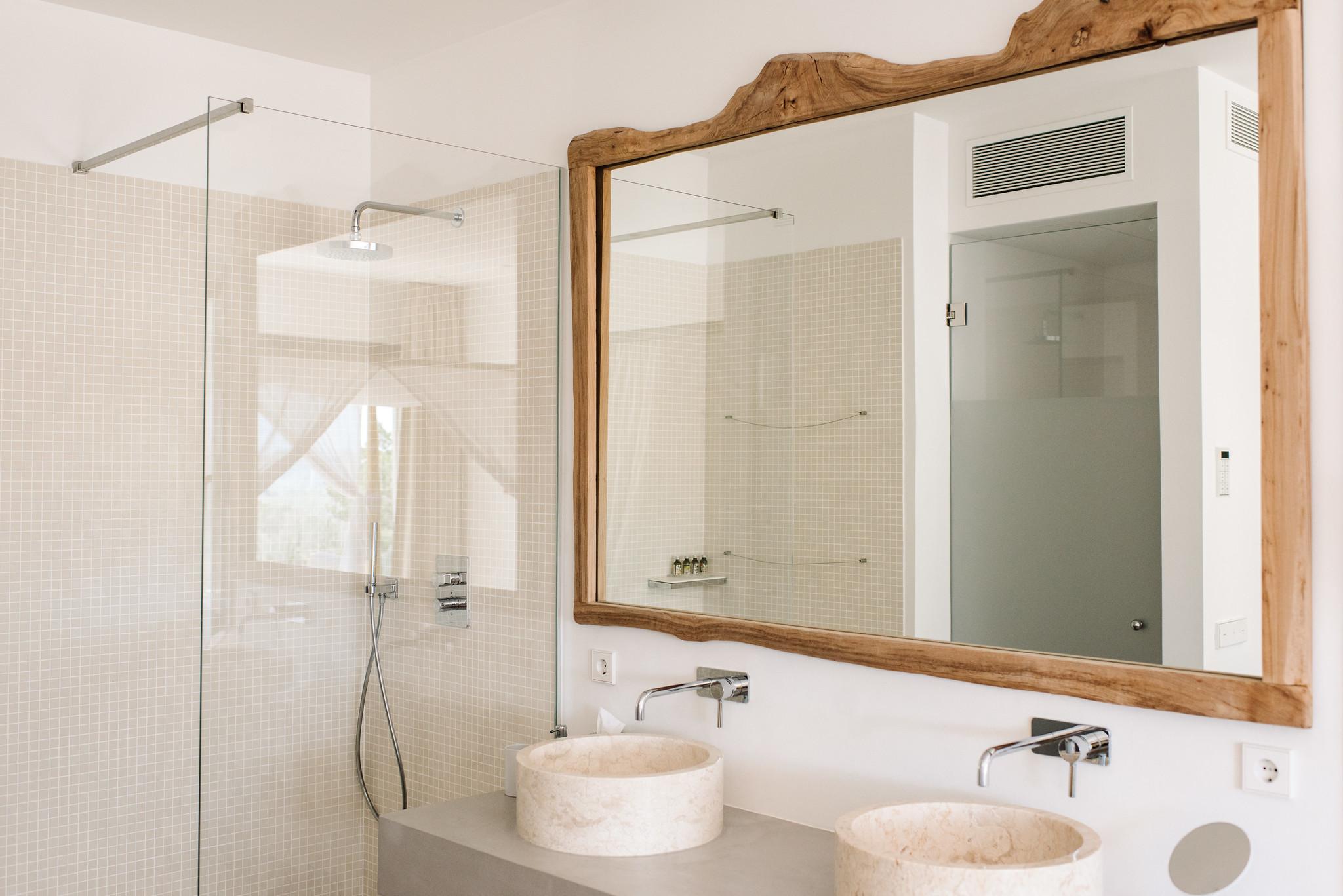 https://www.white-ibiza.com/wp-content/uploads/2020/06/white-ibiza-villas-can-jondal-interior-bathroom3-1.jpg