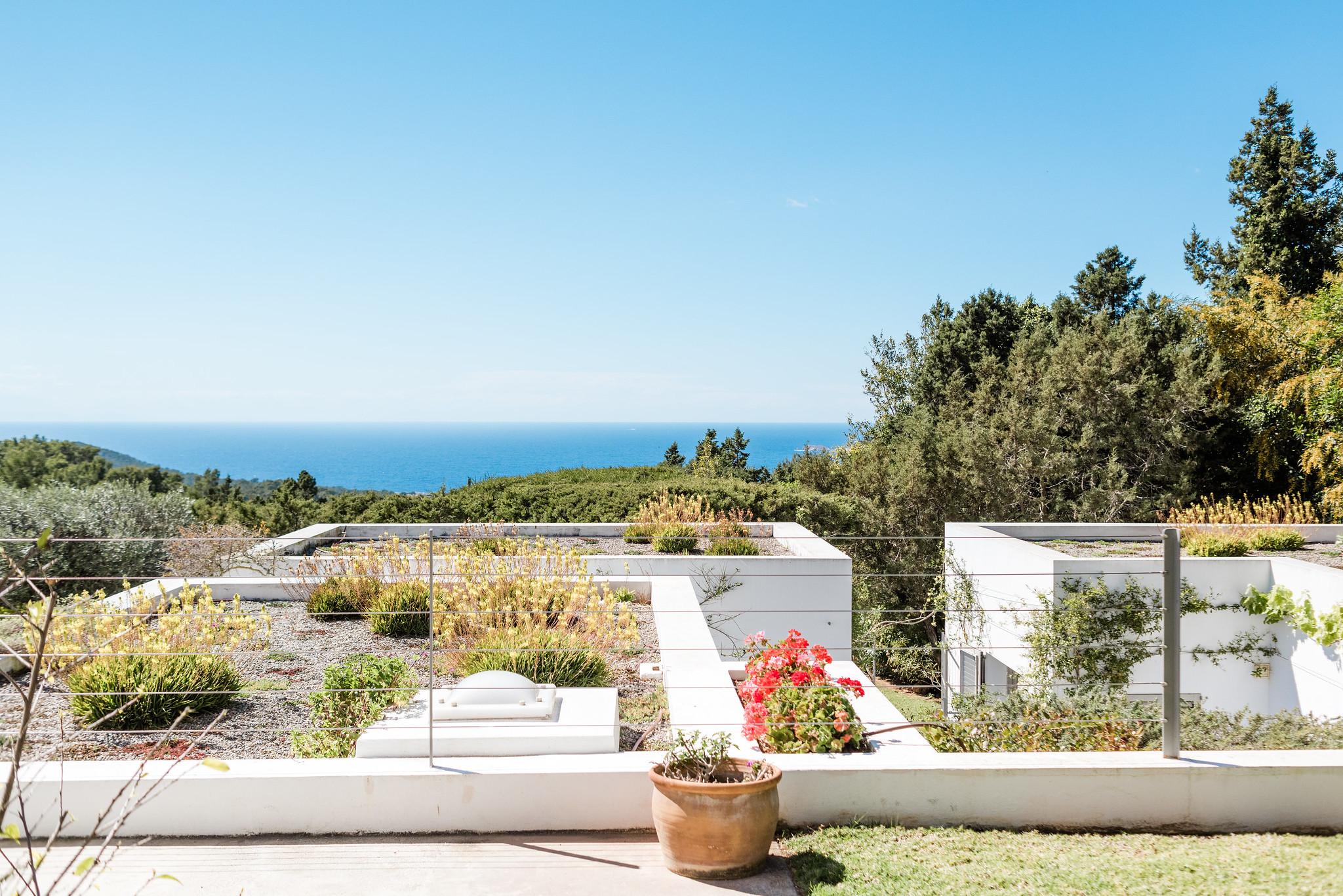 https://www.white-ibiza.com/wp-content/uploads/2020/06/white-ibiza-villas-casa-nyah-exterior-view.jpg