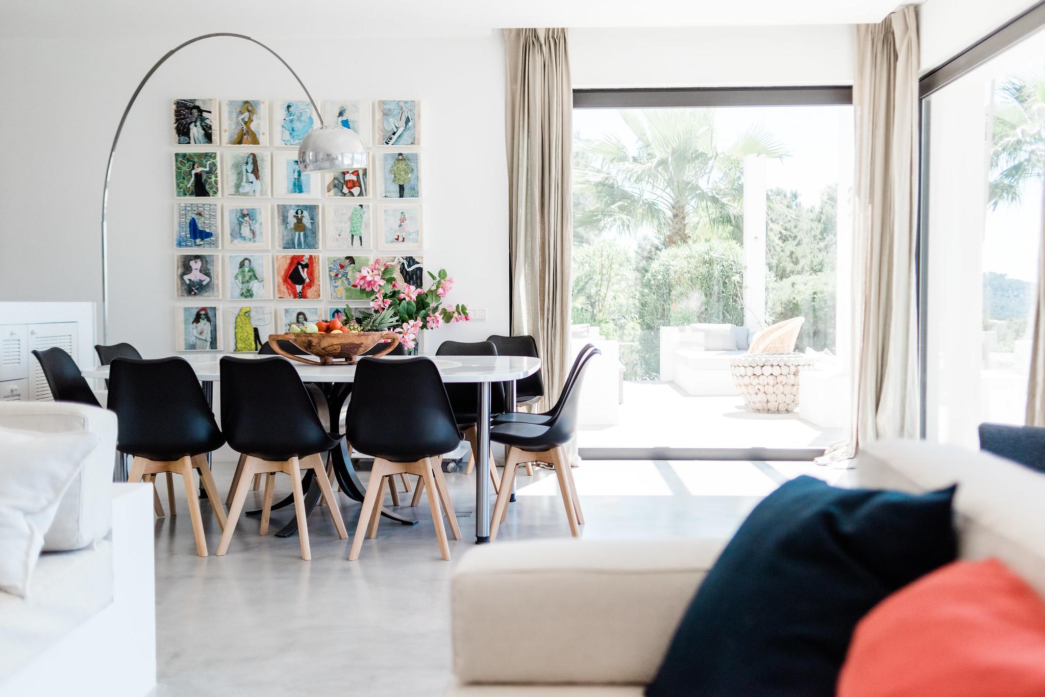 https://www.white-ibiza.com/wp-content/uploads/2020/06/white-ibiza-villas-casa-nyah-interior-livingspace.jpg