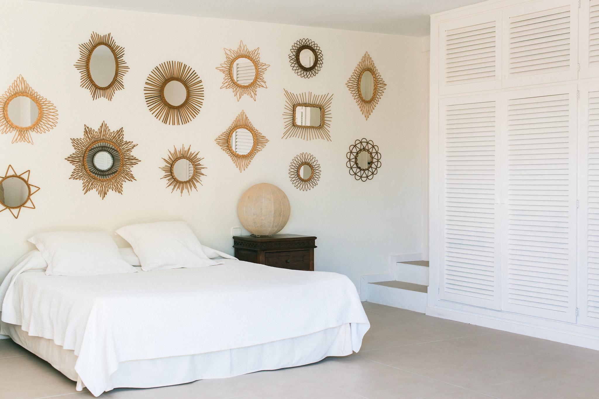 https://www.white-ibiza.com/wp-content/uploads/2020/06/white-ibiza-villas-casa-odette-interior-bedroom4.jpg