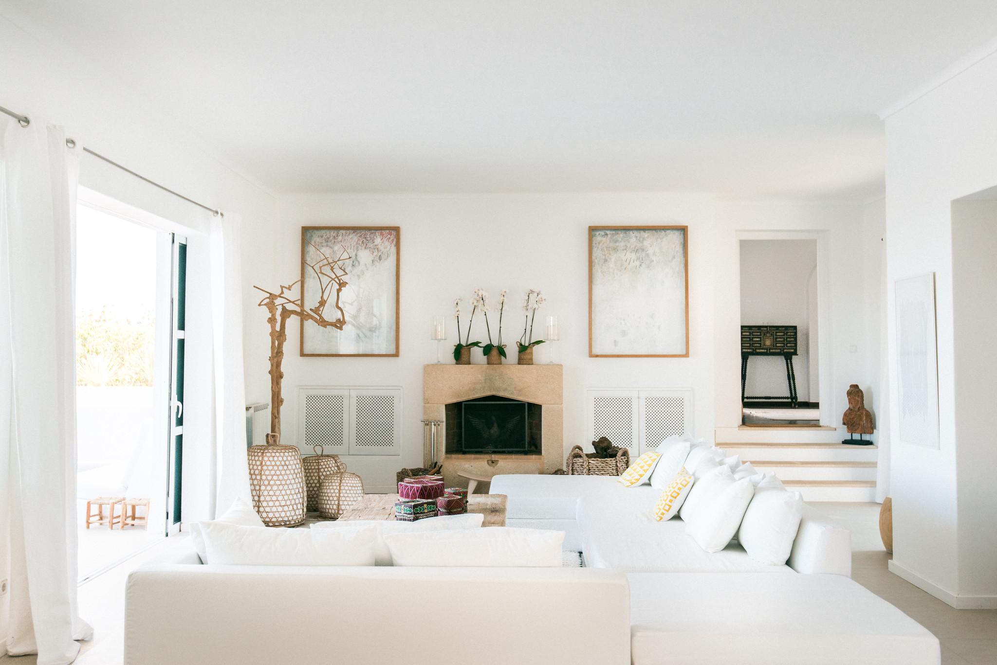 https://www.white-ibiza.com/wp-content/uploads/2020/06/white-ibiza-villas-casa-odette-interior-living-room.jpg