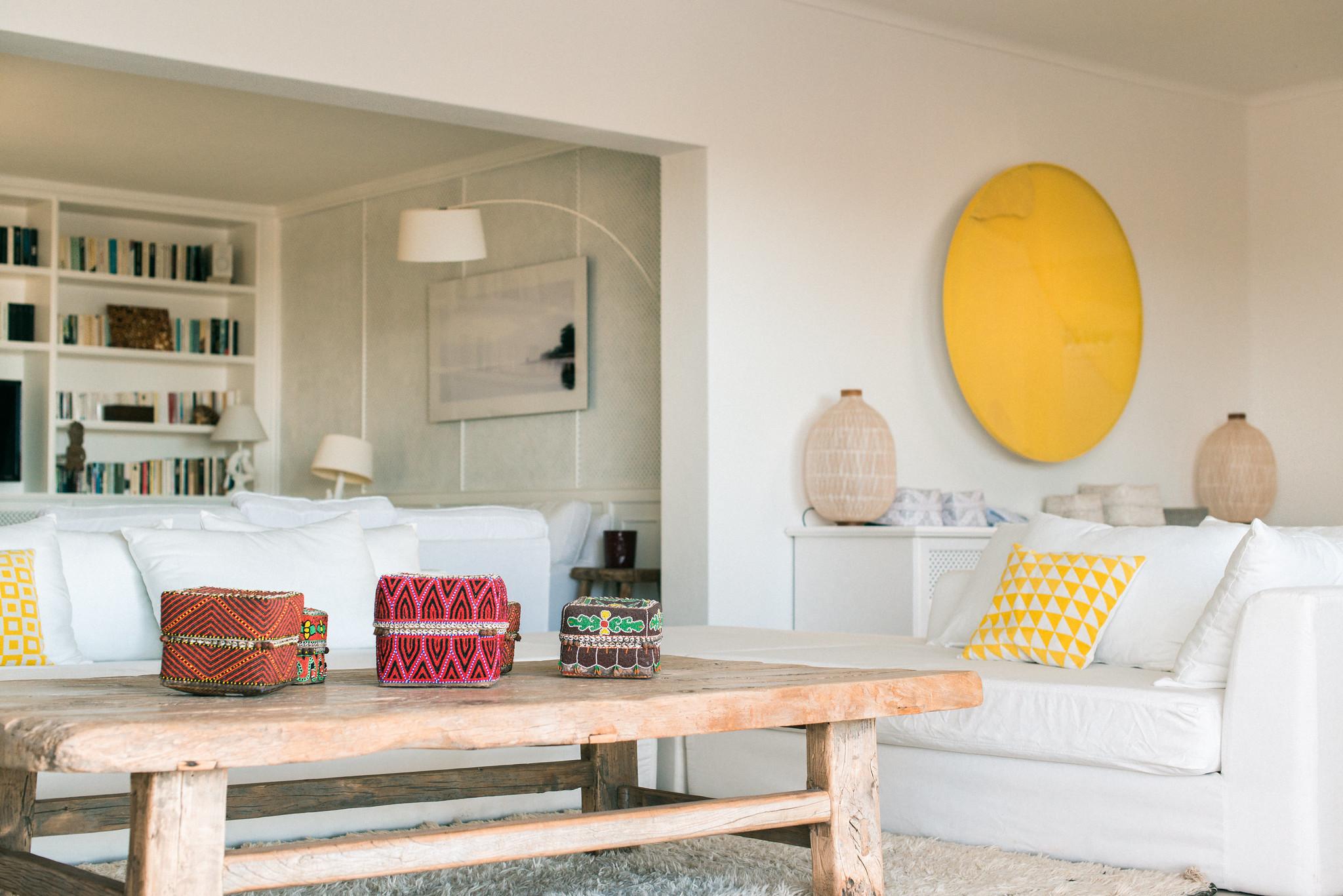 https://www.white-ibiza.com/wp-content/uploads/2020/06/white-ibiza-villas-casa-odette-interior-living-room2.jpg