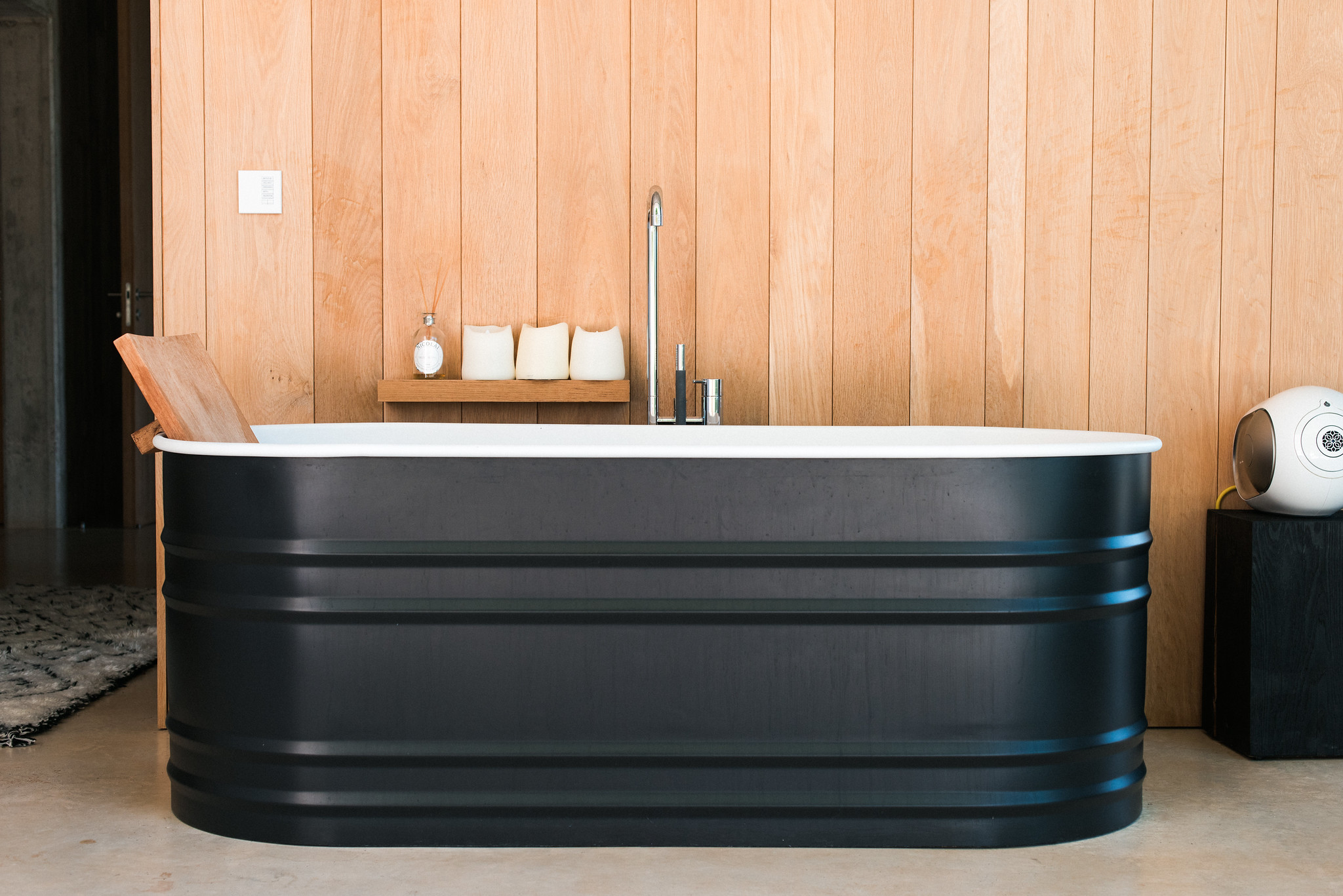 https://www.white-ibiza.com/wp-content/uploads/2020/06/white-ibiza-villas-casa-valentina-interior-bath.jpg