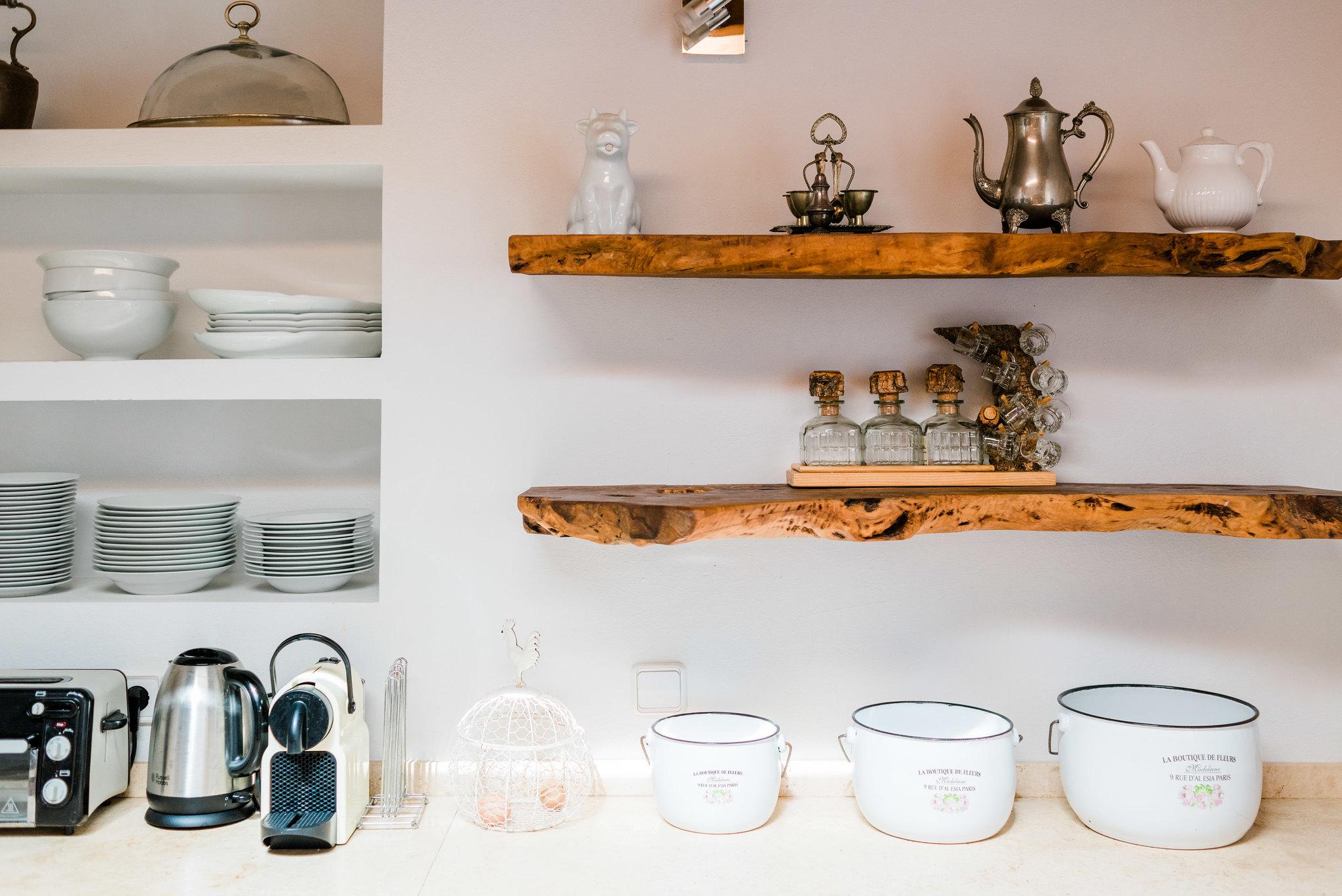 https://www.white-ibiza.com/wp-content/uploads/2020/06/white-ibiza-villas-los-corrales-interior-kitchen-detail.jpg