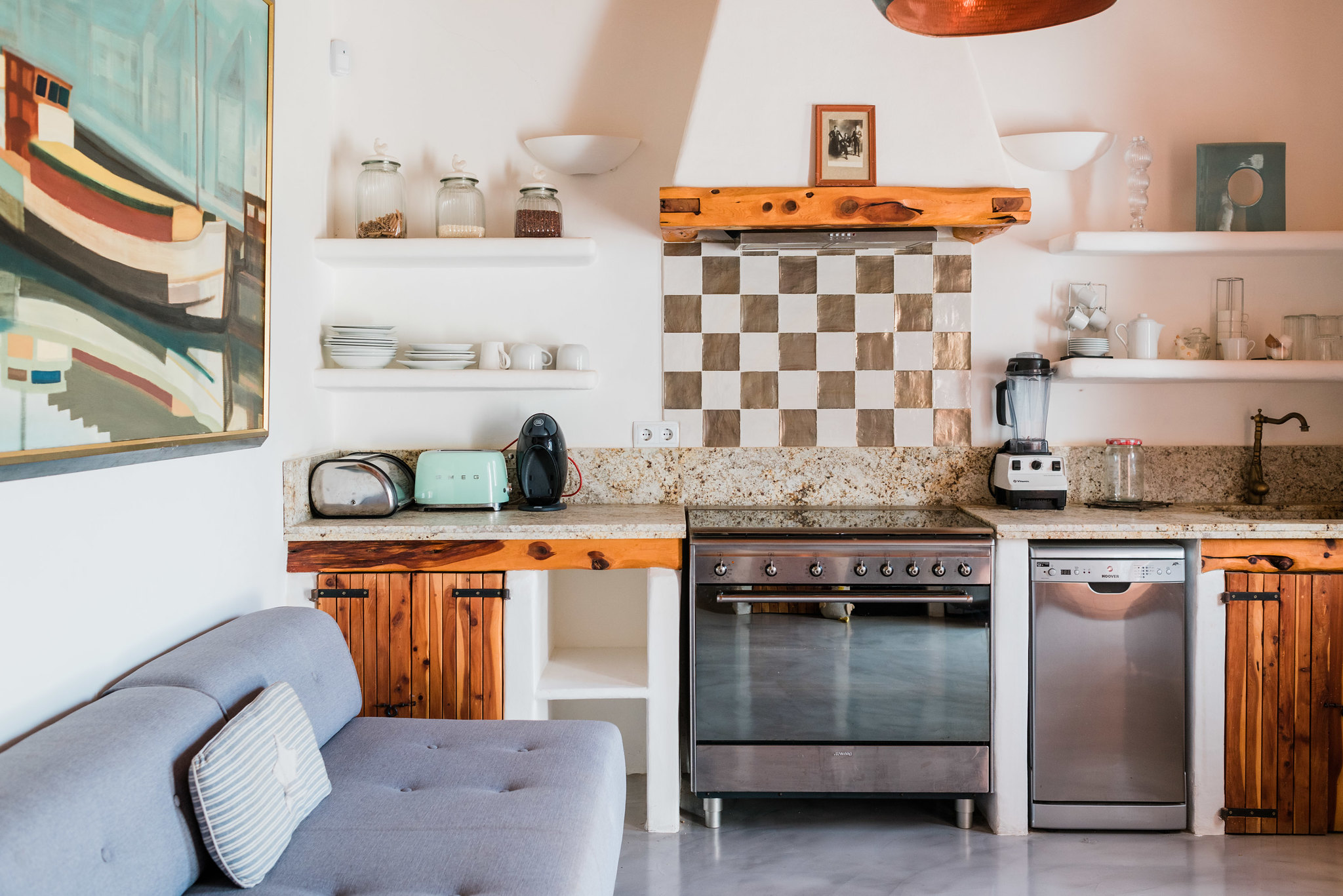 https://www.white-ibiza.com/wp-content/uploads/2020/06/white-ibiza-villas-los-corrales-interior-kitchenette.jpg