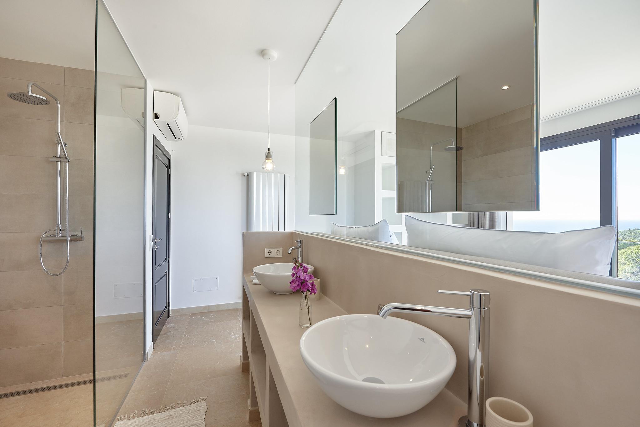 https://www.white-ibiza.com/wp-content/uploads/2020/06/white-ibiza-villas-sa-serra-interior-bathroom2.jpg