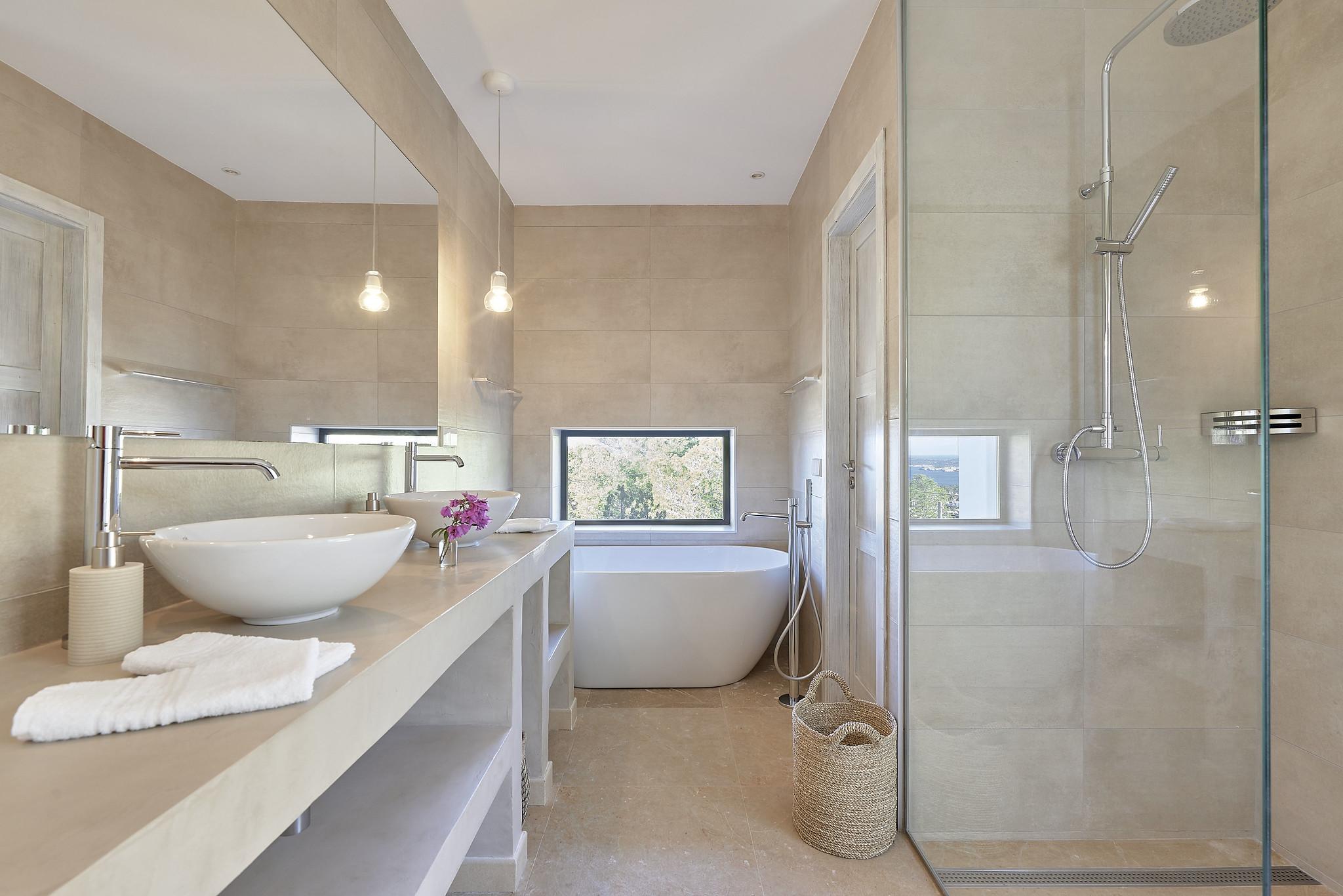 https://www.white-ibiza.com/wp-content/uploads/2020/06/white-ibiza-villas-sa-serra-interior-bathroom3.jpg