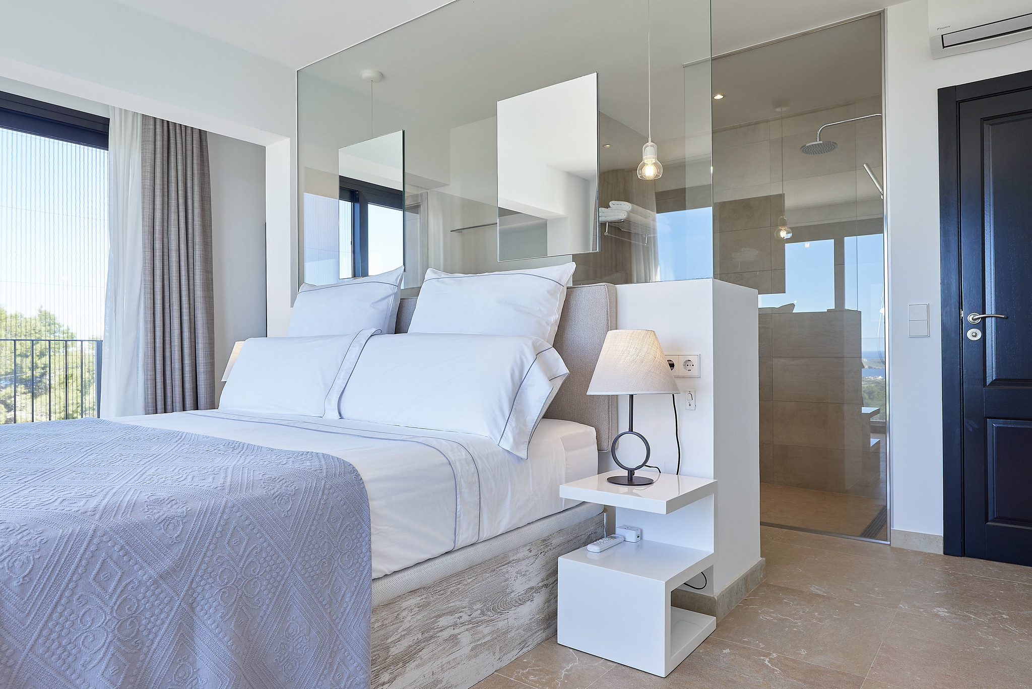 https://www.white-ibiza.com/wp-content/uploads/2020/06/white-ibiza-villas-sa-serra-interior-bedroom4.jpg