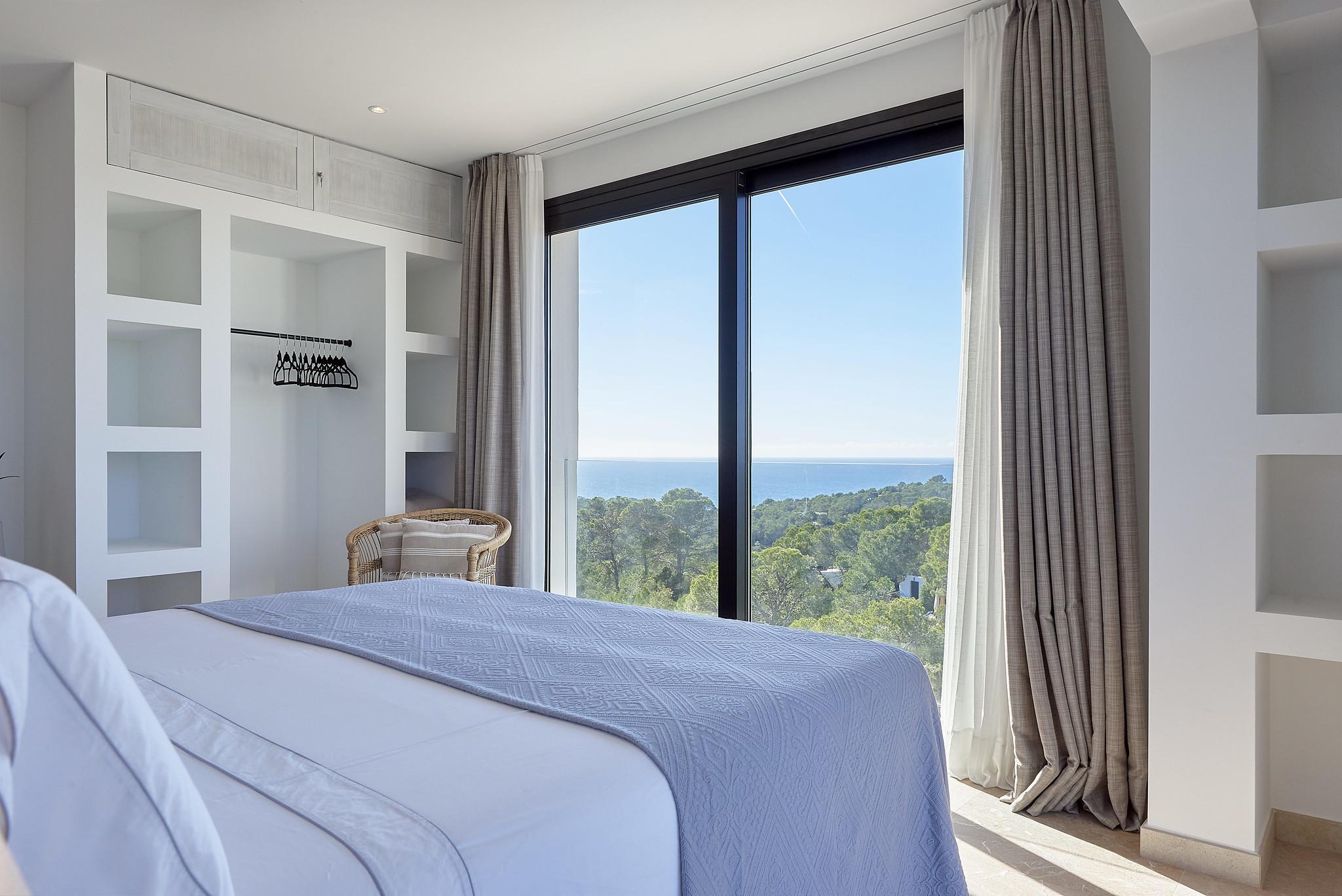 https://www.white-ibiza.com/wp-content/uploads/2020/06/white-ibiza-villas-sa-serra-interior-bedroom5.jpg
