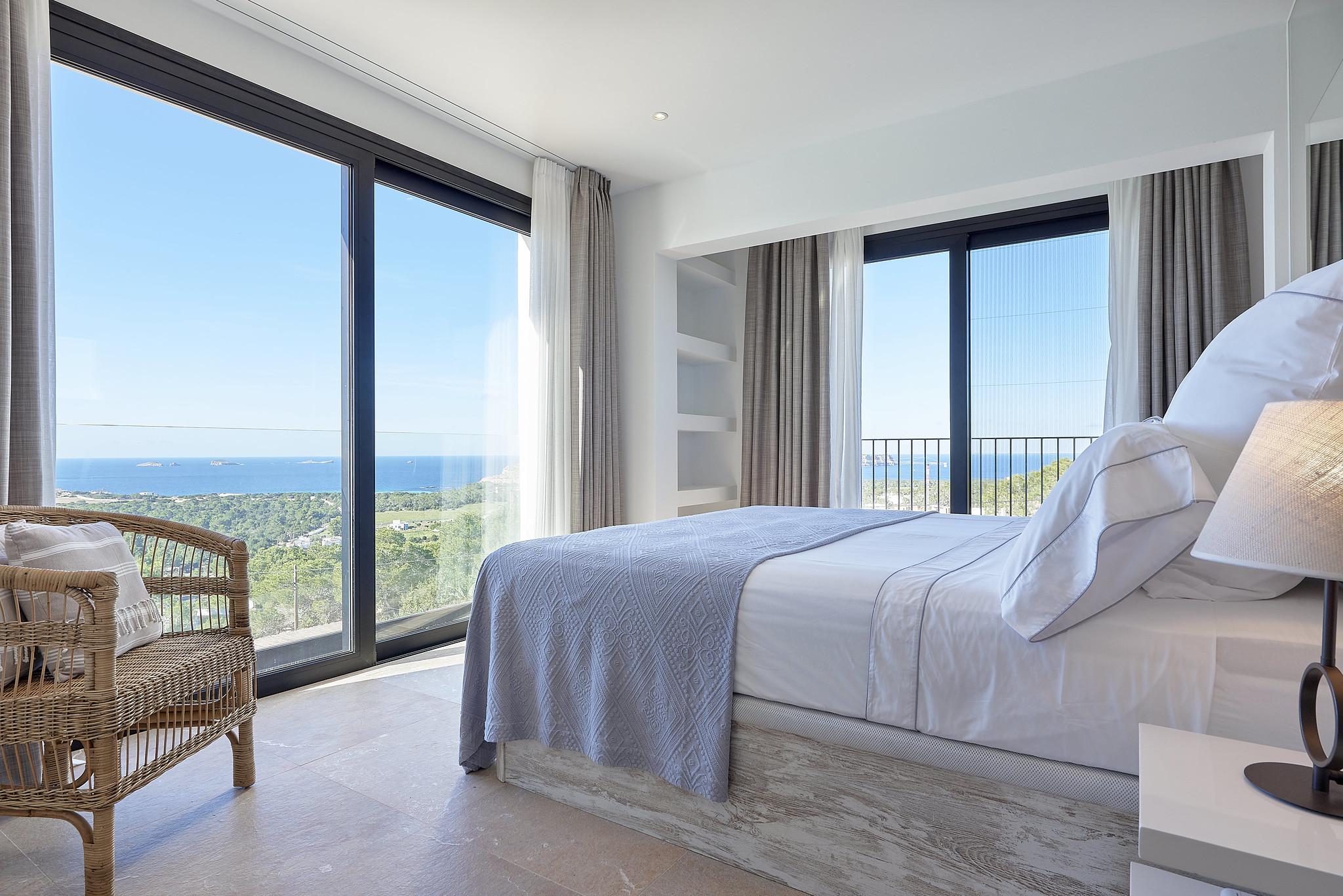 https://www.white-ibiza.com/wp-content/uploads/2020/06/white-ibiza-villas-sa-serra-interior-bedroom8.jpg