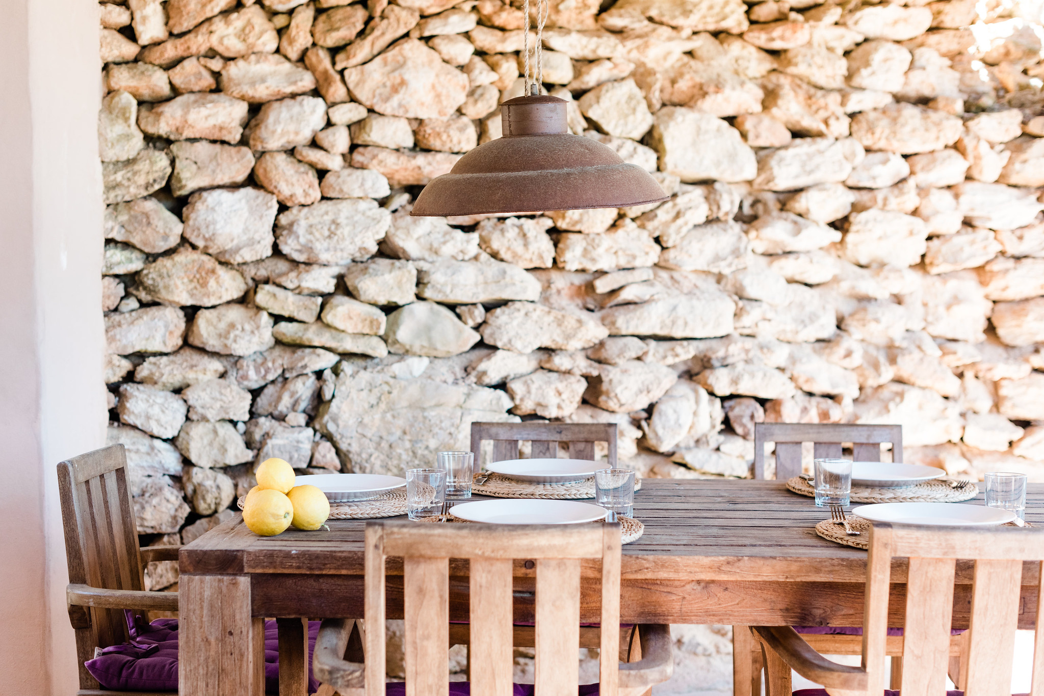 https://www.white-ibiza.com/wp-content/uploads/2020/06/white-ibiza-villas-villa-andrea-exterior-outside-dining.jpg
