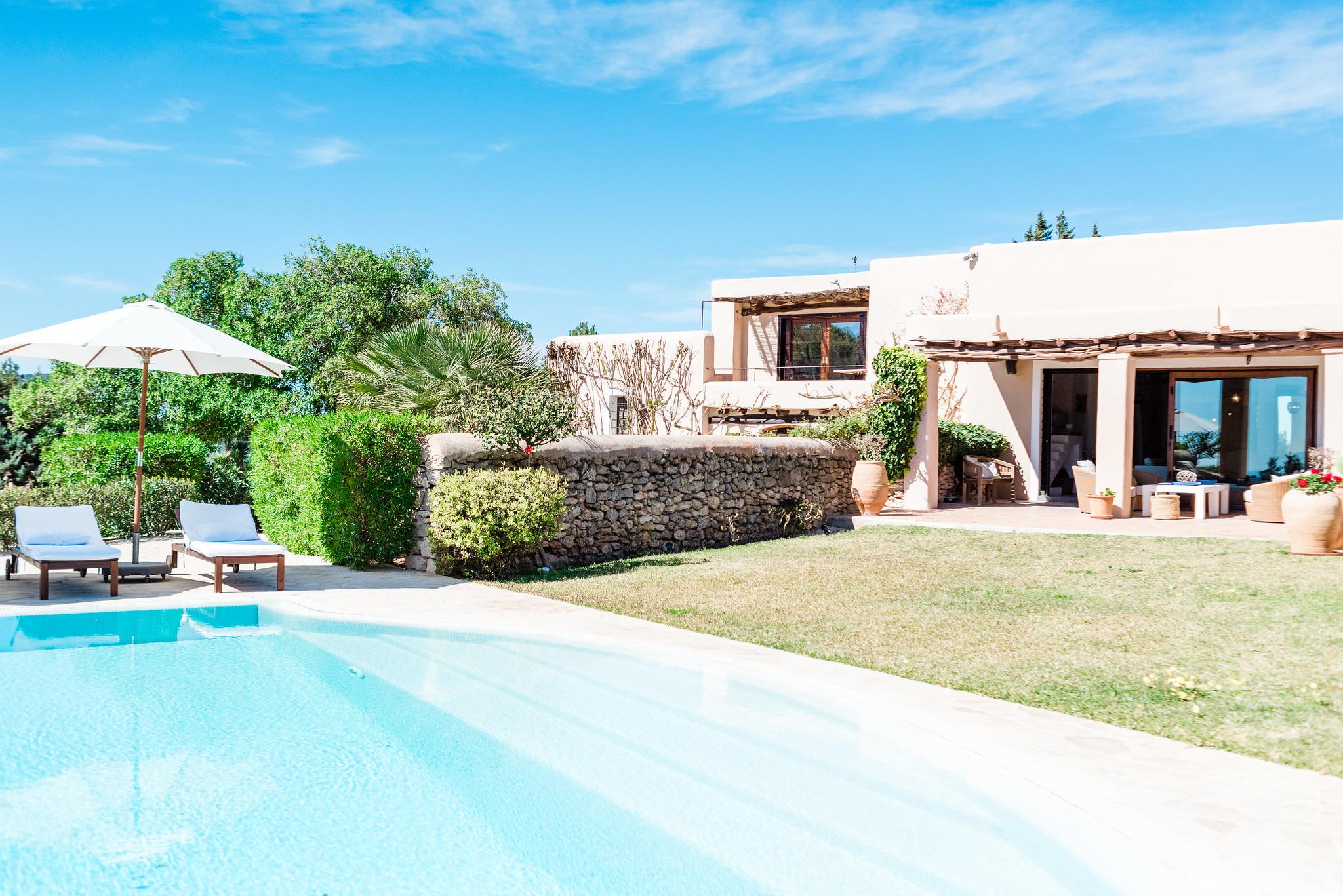 https://www.white-ibiza.com/wp-content/uploads/2020/06/white-ibiza-villas-villa-andrea-exterior.jpg