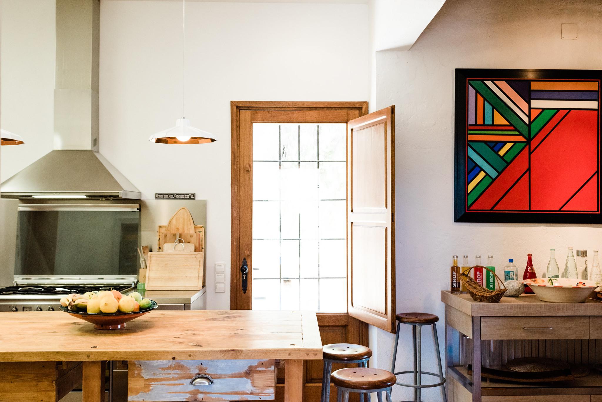 https://www.white-ibiza.com/wp-content/uploads/2020/06/white-ibiza-villas-villa-andrea-interior-kitchen.jpg