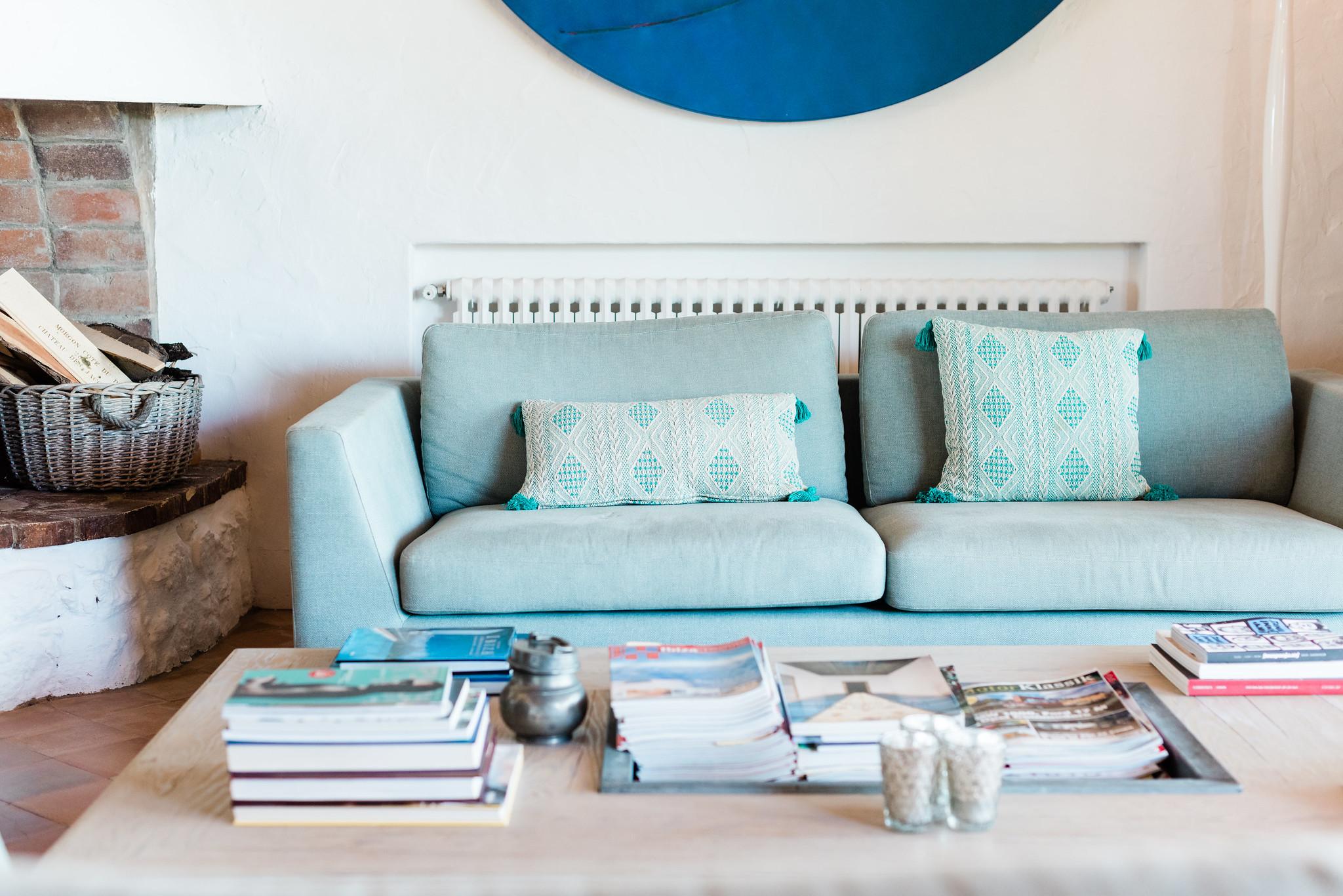 https://www.white-ibiza.com/wp-content/uploads/2020/06/white-ibiza-villas-villa-andrea-interior-living-room.jpg