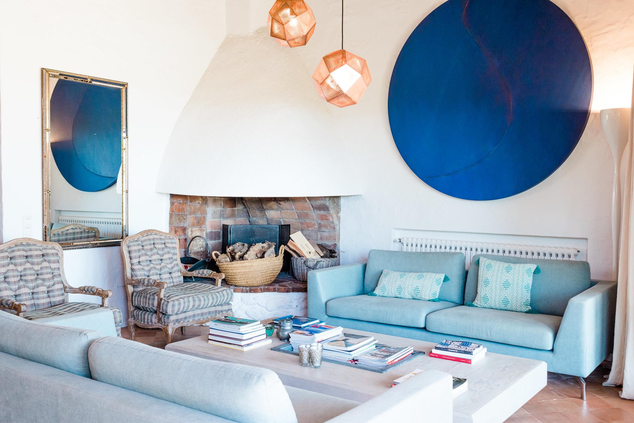 https://www.white-ibiza.com/wp-content/uploads/2020/06/white-ibiza-villas-villa-andrea-interior-living-room2.jpg