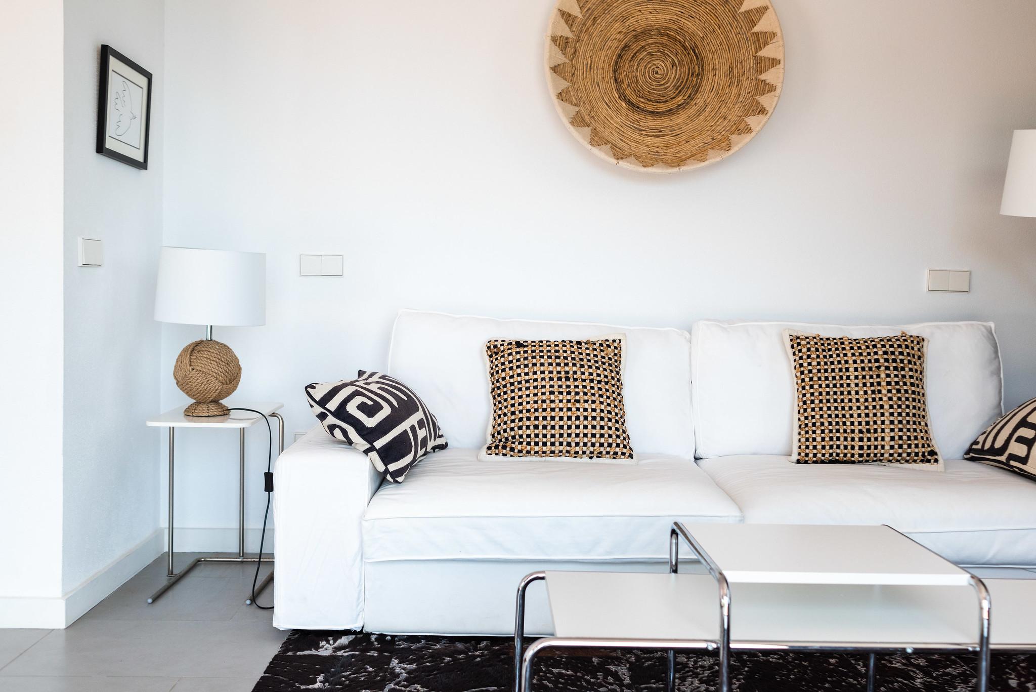 https://www.white-ibiza.com/wp-content/uploads/2020/06/white-ibiza-villas-villa-azul-interior-bedroom-suite.jpg