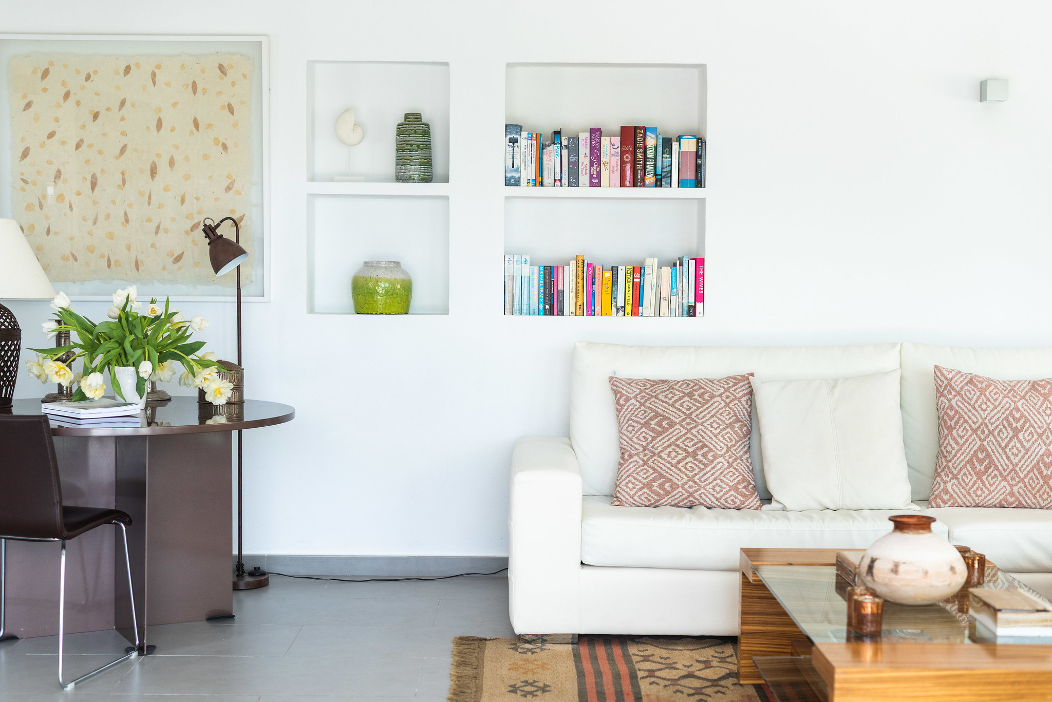 https://www.white-ibiza.com/wp-content/uploads/2020/06/white-ibiza-villas-villa-azul-interior-living-room.jpg