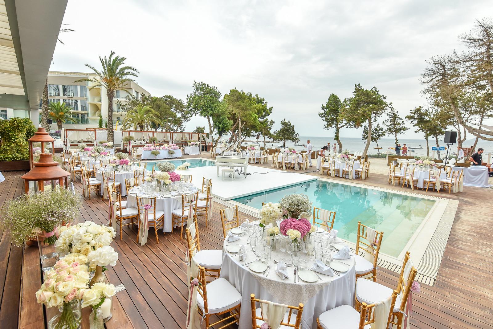 https://www.white-ibiza.com/wp-content/uploads/2020/07/white-ibiza-wedding-venue-nikki-beach-ibiza-2020-02.jpg