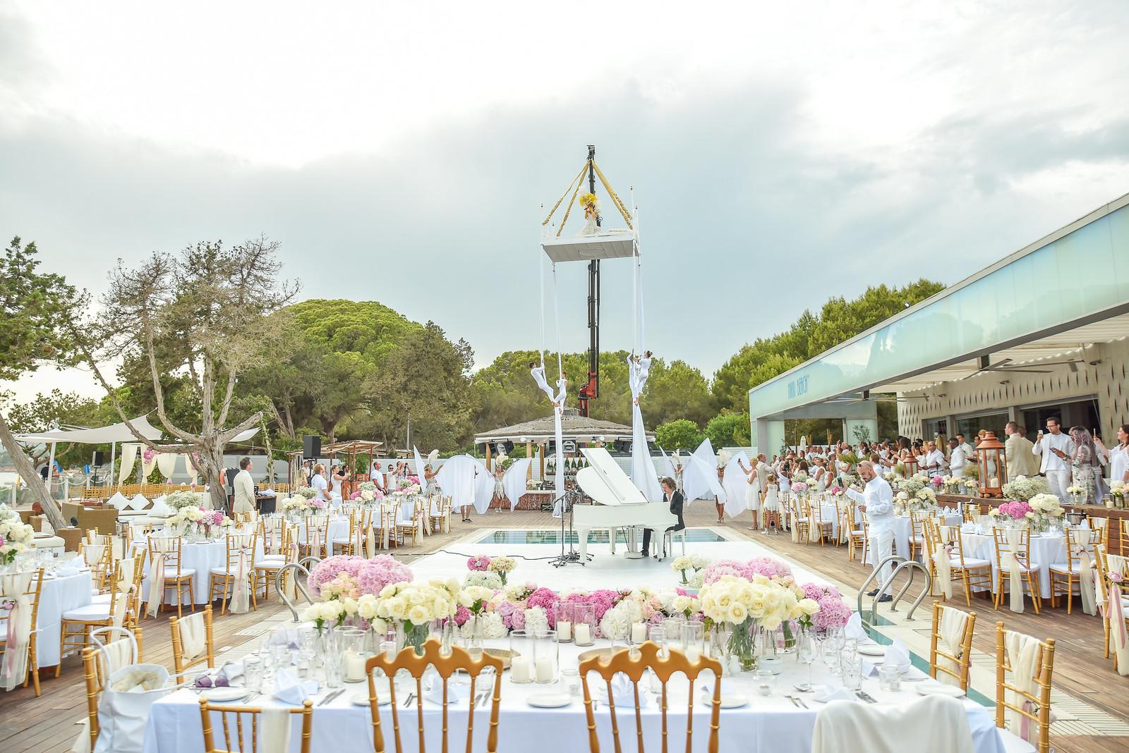 https://www.white-ibiza.com/wp-content/uploads/2020/07/white-ibiza-wedding-venue-nikki-beach-ibiza-2020-06.jpg