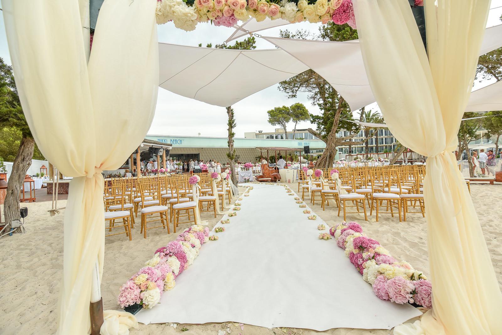 https://www.white-ibiza.com/wp-content/uploads/2020/07/white-ibiza-wedding-venue-nikki-beach-ibiza-2020-07.jpg