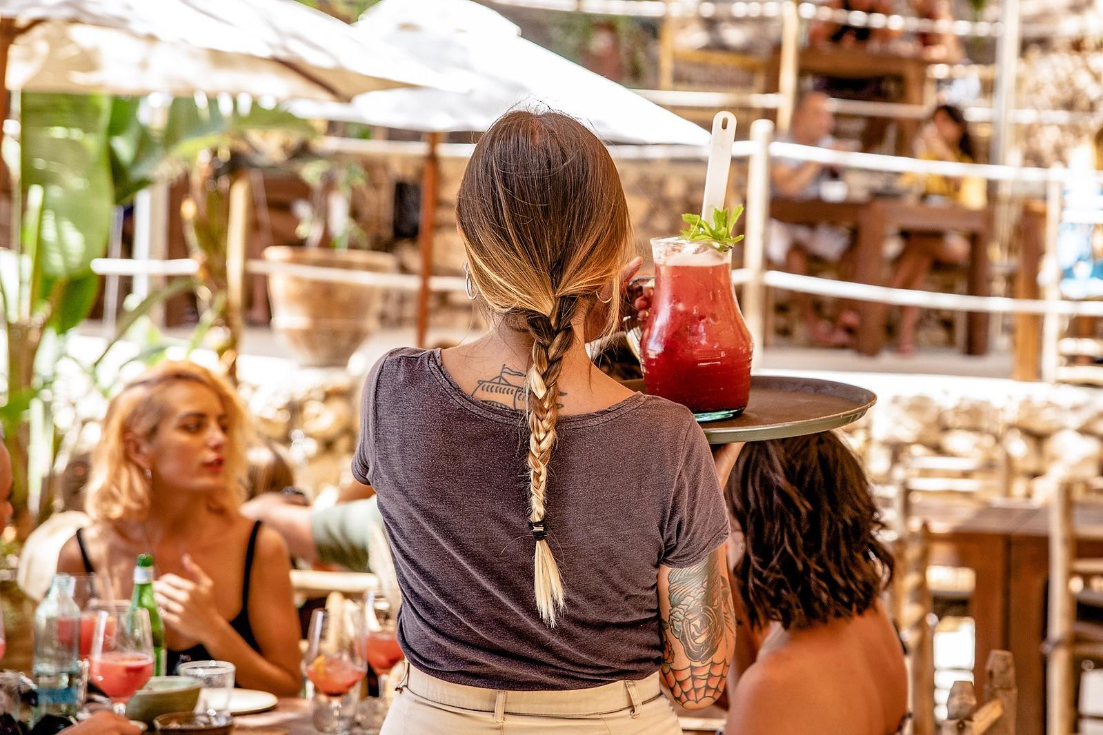https://www.white-ibiza.com/wp-content/uploads/2020/09/white-ibiza-beach-restaurants-cala-gracioneta-chiringuito-13.jpg
