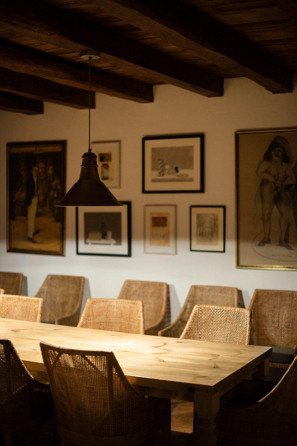 https://www.white-ibiza.com/wp-content/uploads/2020/11/cas-gasi-restaurant-2020-13-1025x1536.jpg