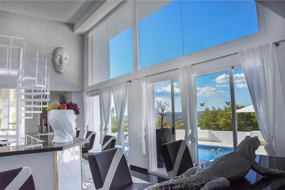 https://www.white-ibiza.com/wp-content/uploads/2021/03/GHLibiza_Gouldheinzlang_property_ibiza__Villa-Ibiza-3004-13-resized.jpg