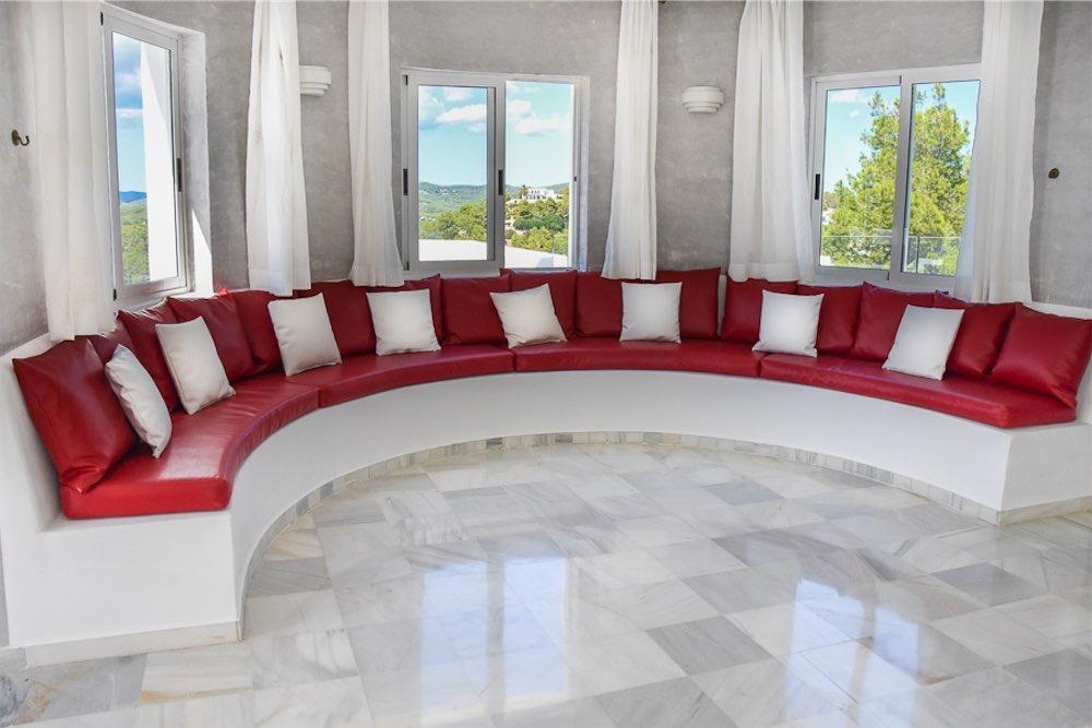 https://www.white-ibiza.com/wp-content/uploads/2021/03/GHLibiza_Gouldheinzlang_property_ibiza__Villa-Ibiza-3004-13.2-resized.jpg