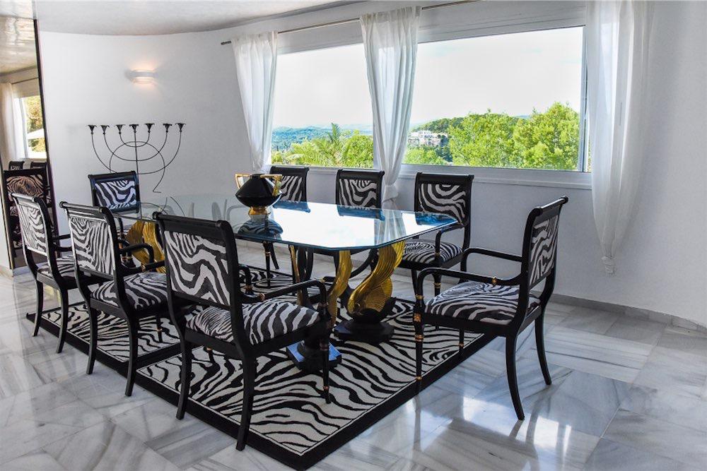 https://www.white-ibiza.com/wp-content/uploads/2021/03/GHLibiza_Gouldheinzlang_property_ibiza__Villa-Ibiza-3004-13.4-resized.jpg