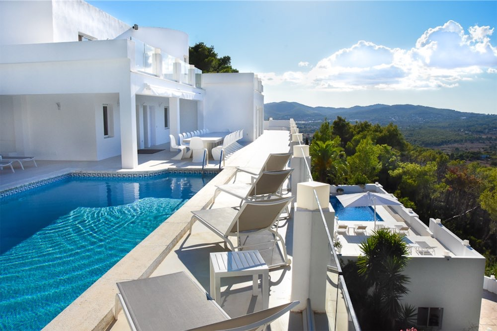 https://www.white-ibiza.com/wp-content/uploads/2021/03/GHLibiza_Gouldheinzlang_property_ibiza__Villa-Ibiza-3004-2-resized.jpg