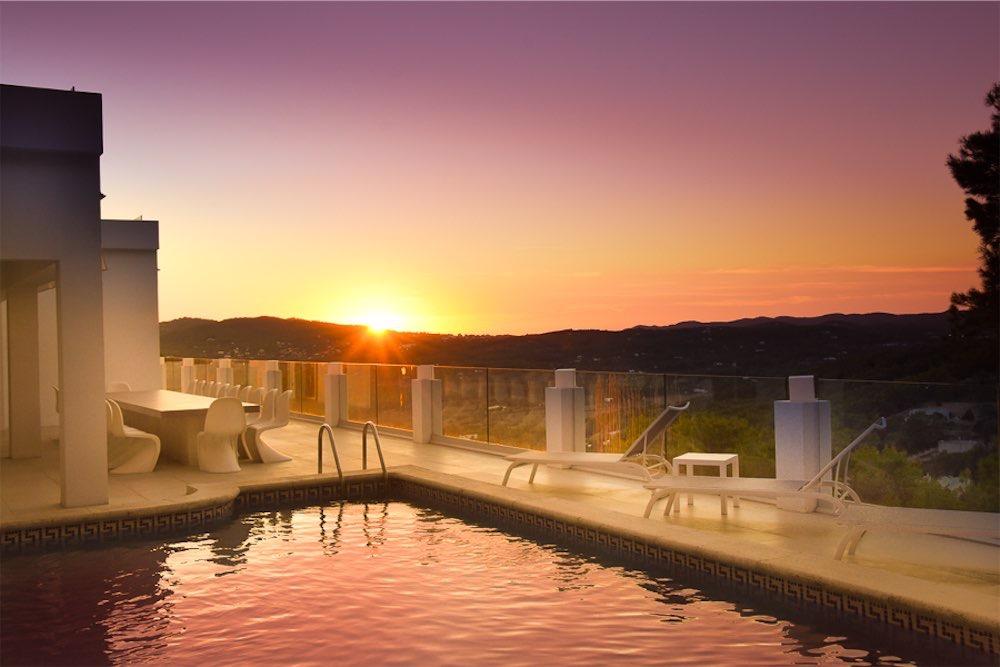 https://www.white-ibiza.com/wp-content/uploads/2021/03/GHLibiza_Gouldheinzlang_property_ibiza__Villa-Ibiza-3004-33-resized.jpg