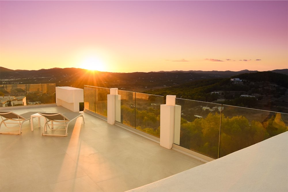 https://www.white-ibiza.com/wp-content/uploads/2021/03/GHLibiza_Gouldheinzlang_property_ibiza__Villa-Ibiza-3004-33.1-resized.jpg