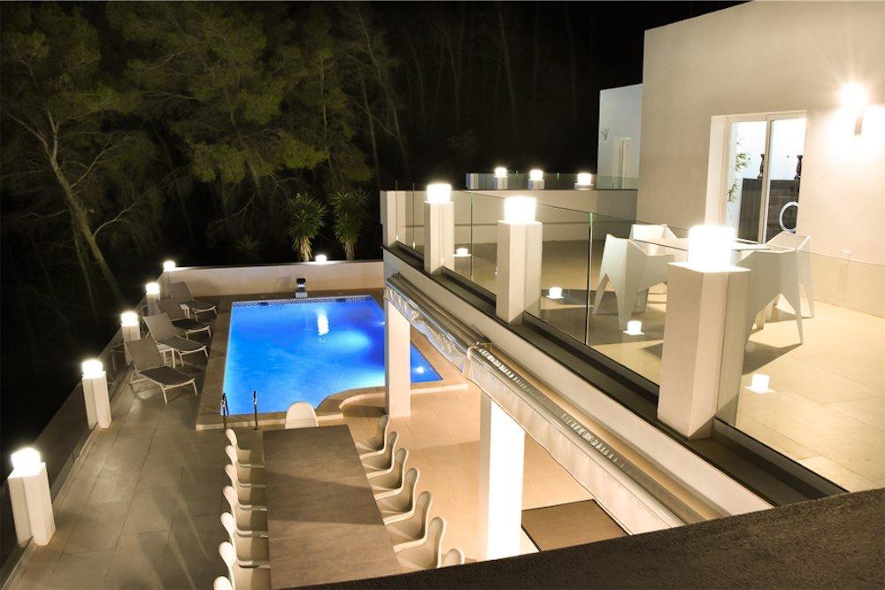 https://www.white-ibiza.com/wp-content/uploads/2021/03/GHLibiza_Gouldheinzlang_property_ibiza__Villa-Ibiza-3004-35-resized.jpg