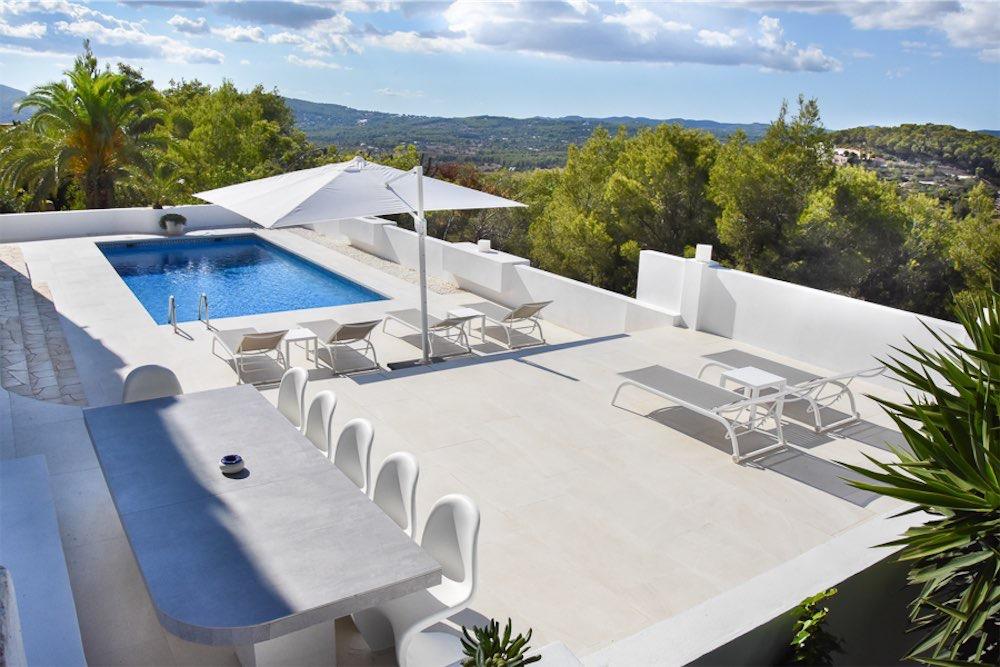 https://www.white-ibiza.com/wp-content/uploads/2021/03/GHLibiza_Gouldheinzlang_property_ibiza__Villa-Ibiza-3004-5-resized.jpg