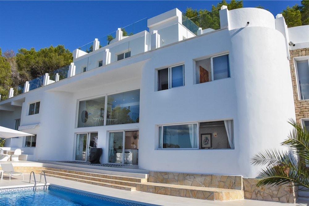 https://www.white-ibiza.com/wp-content/uploads/2021/03/GHLibiza_Gouldheinzlang_property_ibiza__Villa-Ibiza-3004-7-resized.jpg