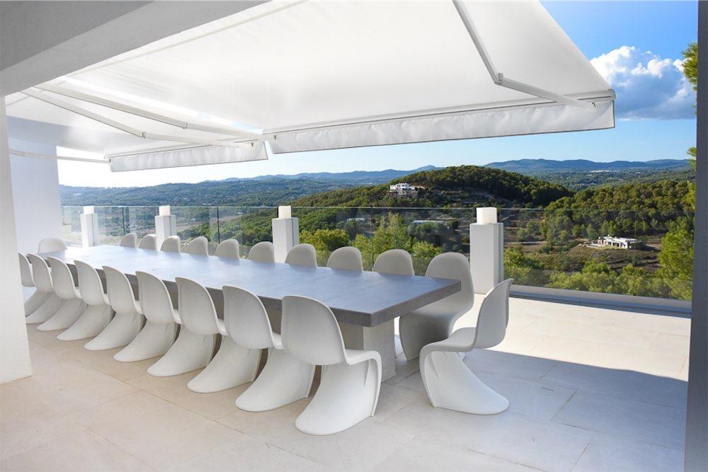 https://www.white-ibiza.com/wp-content/uploads/2021/03/GHLibiza_Gouldheinzlang_property_ibiza__Villa-Ibiza-3004-8.2-resized.jpg