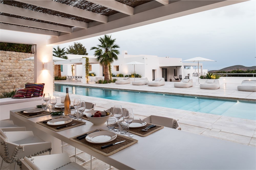 https://www.white-ibiza.com/wp-content/uploads/2021/03/GHLibiza_Gouldheinzlang_property_ibiza__Villa-Ibiza-5A9765-resized.jpg