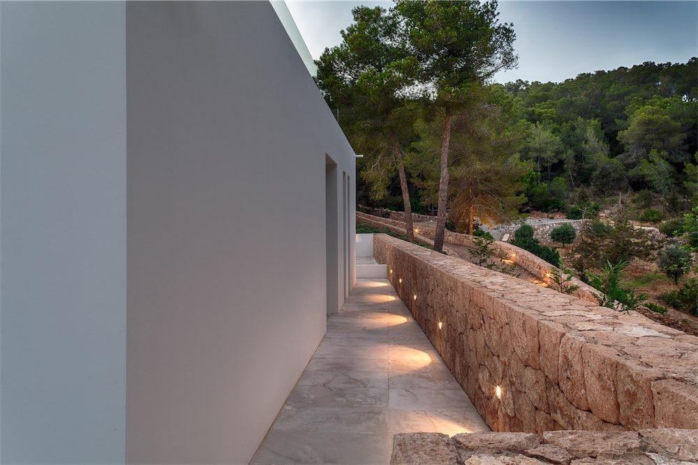 https://www.white-ibiza.com/wp-content/uploads/2021/03/GHLibiza_Gouldheinzlang_property_ibiza__Villa-Ibiza-5A9797-resized.jpg