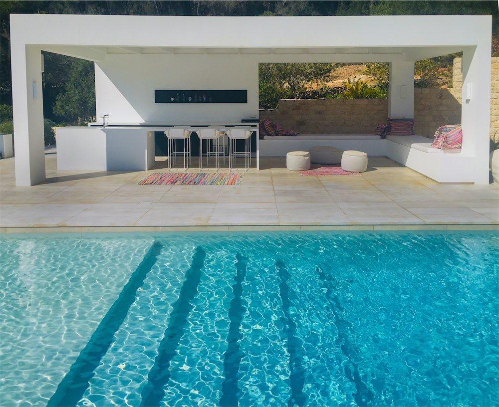 https://www.white-ibiza.com/wp-content/uploads/2021/03/GHLibiza_Gouldheinzlang_property_ibiza__Villa-Ibiza-Ibiza-0807-resized.jpg