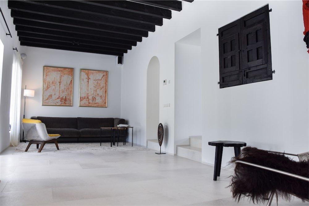 https://www.white-ibiza.com/wp-content/uploads/2021/03/GHLibiza_Gouldheinzlang_property_ibiza__Villa-Ibiza-Ibiza-3623-resized.jpg