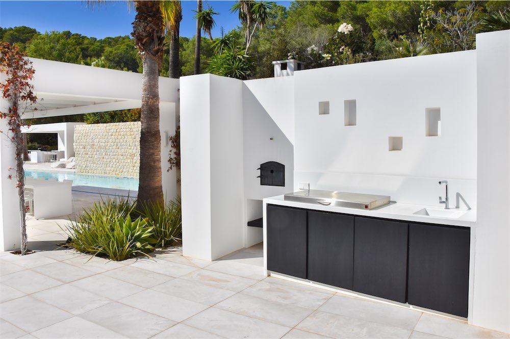 https://www.white-ibiza.com/wp-content/uploads/2021/03/GHLibiza_Gouldheinzlang_property_ibiza__Villa-Ibiza-Ibiza-3634-resized.jpg