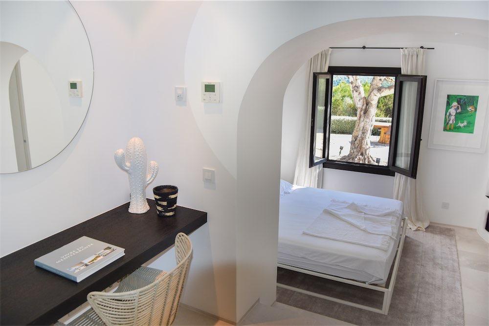 https://www.white-ibiza.com/wp-content/uploads/2021/03/GHLibiza_Gouldheinzlang_property_ibiza__Villa-Ibiza-Ibiza-3653-resized.jpg