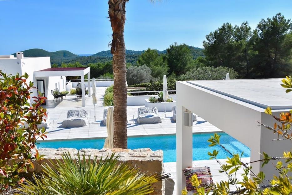 https://www.white-ibiza.com/wp-content/uploads/2021/03/GHLibiza_Gouldheinzlang_property_ibiza__Villa-Ibiza-Ibiza-3684-resized.jpg